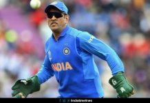 MS Dhoni sports gloves with Indian Army insignia
