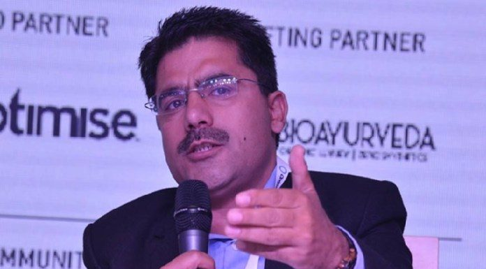 Famous news anchor Rohit Sardana dies of heart attack