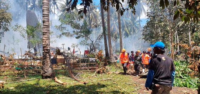 Philippines Plane Crash: Military plane crashes in Philippines - 45 killed